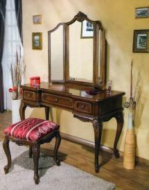 Туалетный стол с зеркалом